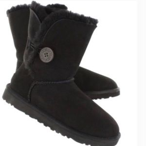 UGG Black Bailey Button Short Boots 5803 Sz 8